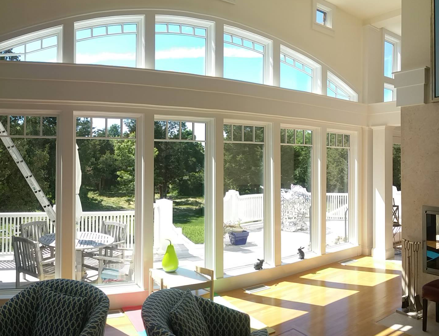 Residential & commercial window cleaning, awning cleaning, ultrasonic blind cleaning, pressure cleaning; Greater Boston, Cape Cod, MA, RI